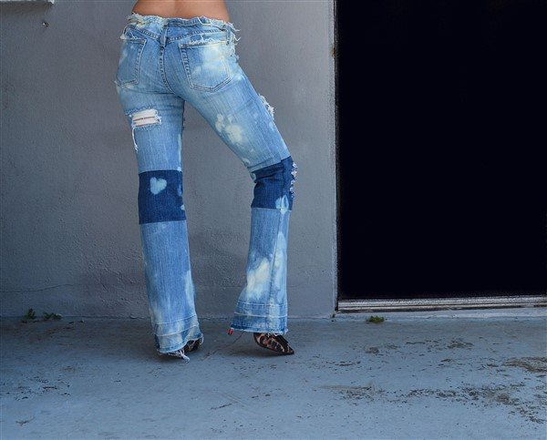 Two toned bleached jeans. SIZE 14 Long.