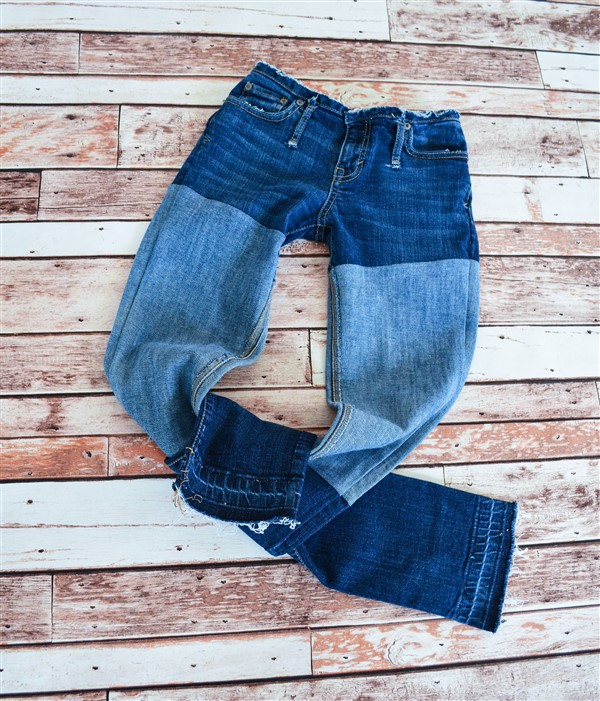 Wide stripe skinnies. Ready to ship. SIZE 2.
