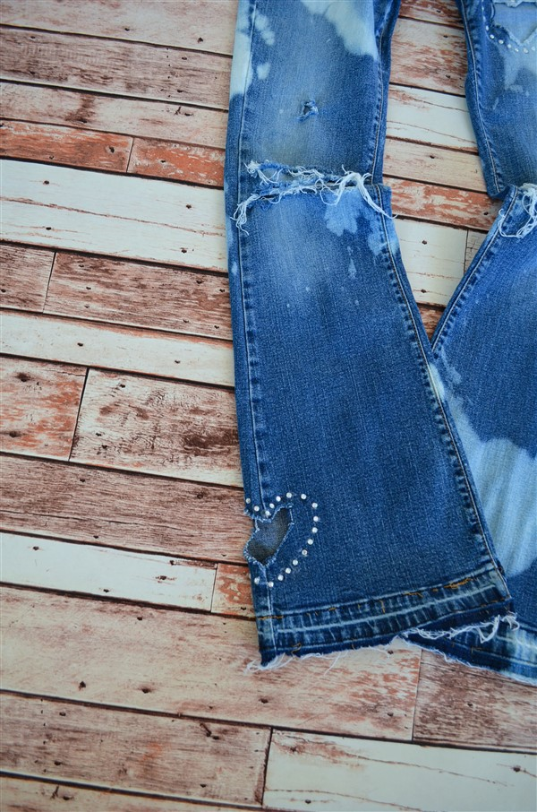Crystal Heart flares. Size 7/8. Stretch.